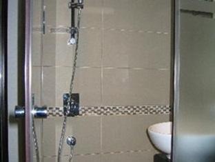 Hotel 36 Hong Kong - Bathroom