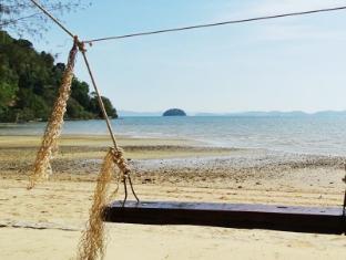 Supalai Resort & Spa Phuket - Beach