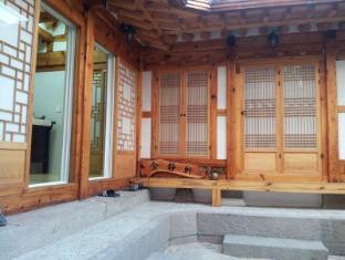 KumJungHun Hanok House