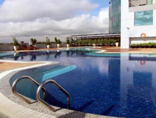 Grand Bluewave Hotel Johor Bahru - Swimming Pool