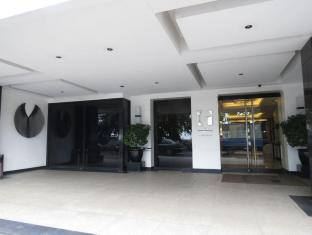 G Hotel Manila - Entrance