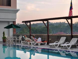 Citrus Hotel Kuala Lumpur by Compass Hospitality Kuala Lumpur - Swimming Pool