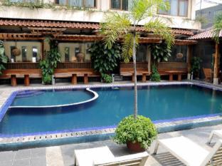 Mutiara Bandung Hotel Bandung - Kolam renang