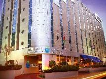 Rimal Rotana Hotel: exterior