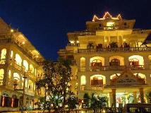 Champasak Palace Hotel: interior