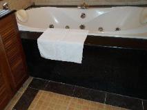 Champasak Palace Hotel: bathroom