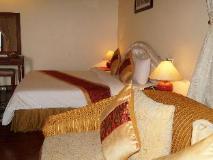 Champasak Palace Hotel: guest room
