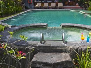 Ida Hotel Bali - Swimming Pool with Jacuzzi