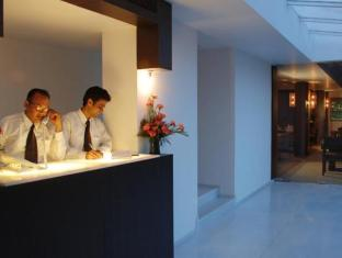 ホテル パレス ハイツ ニューデリー&NCR - フロント