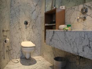 ホテル パレス ハイツ ニューデリー&NCR - バスルーム