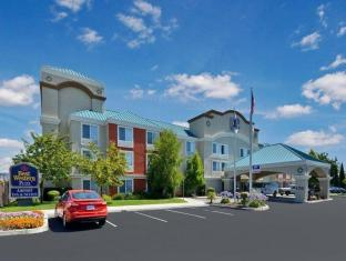 Best Western PLUS Airport Inn and Suites