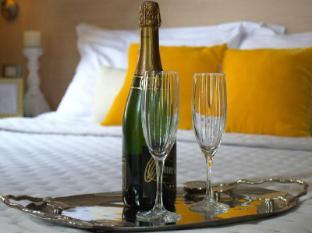 207 Inn Rome - Guest Room