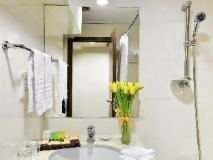 Walden Hotel: bathroom