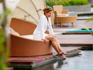Intercontinental Hanoi Westlake Hotel Hanoi - Relax beside the pool