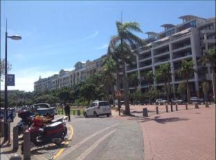 Gateway Palm Boulevard Hotel