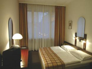 Hotel Pension Continental Vienna - Guest Room