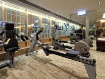 The Royal Pacific Hotel and Towers: fitness room