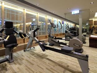 The Royal Pacific Hotel and Towers Hongkong - Fitnessraum