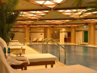 Capital Hotel Beijing - Swimming Pool