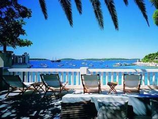 /el-gr/amfora-hvar-grand-beach-resort/hotel/hvar-hr.html?asq=5VS4rPxIcpCoBEKGzfKvtE3U12NCtIguGg1udxEzJ7mpjoFtD%2fpKk6eVotSOzE4iHosuG2cXdAA5lcsWm8Wgy5wRwxc6mmrXcYNM8lsQlbU%3d
