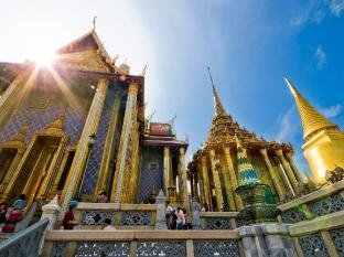 Diamond House Hotel Bangkok - Temple of the Emerald Buddha
