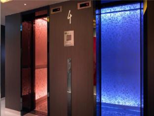 Naumi Hotel Singapore - Lift Lobby
