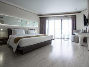 Pattaya Discovery Beach Hotel Pattaya - Guest Room