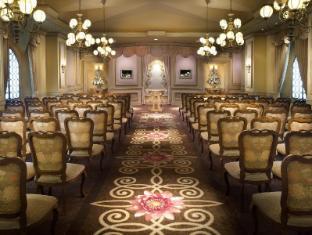 Luxor Hotel Las Vegas (NV) - Indoor wedding chapel