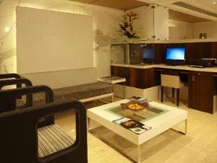 Bawa Continental Hotel Mumbai - Business Center
