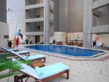 Grand Millennium Hotel Dubai: swimming pool
