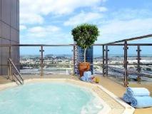 Grand Millennium Hotel Dubai: hot tub