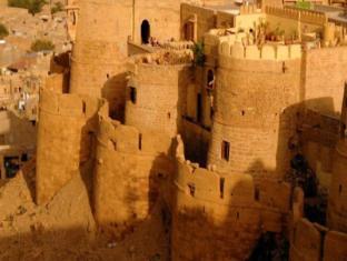 /hotel-killa-bhawan/hotel/jaisalmer-in.html?asq=jGXBHFvRg5Z51Emf%2fbXG4w%3d%3d