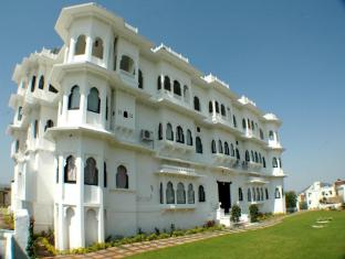 /karohi-haveli/hotel/udaipur-in.html?asq=jGXBHFvRg5Z51Emf%2fbXG4w%3d%3d