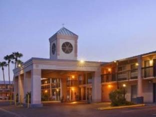 /howard-johnson-inn/hotel/yuma-az-us.html?asq=jGXBHFvRg5Z51Emf%2fbXG4w%3d%3d