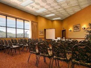 /best-western-inn-and-suites-at-discovery-kingdom/hotel/vallejo-ca-us.html?asq=jGXBHFvRg5Z51Emf%2fbXG4w%3d%3d