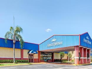 Howard Johnson Tampa Ybor City