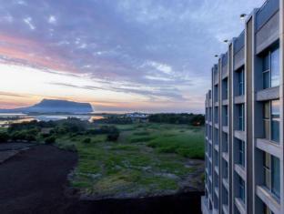 /sv-se/the-island-marina-resort/hotel/jeju-island-kr.html?asq=vrkGgIUsL%2bbahMd1T3QaFc8vtOD6pz9C2Mlrix6aGww%3d