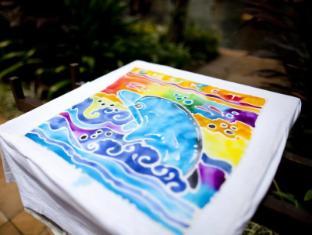 JW Marriott Phuket Resort & Spa Phuket - Batik Painting