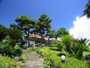 Jeju Haenuri Jungmun Guesthouse