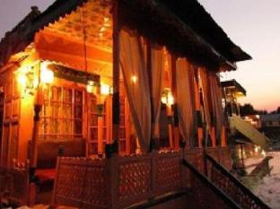 /lt-lt/house-boat-royal-lodge/hotel/srinagar-in.html?asq=jGXBHFvRg5Z51Emf%2fbXG4w%3d%3d