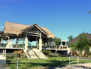 Barn N Bunk Hotel
