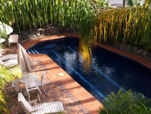 Francis Phillip Motor Inn And The Lodge Serviced Apartments