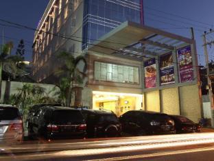 /la-riz-wthree-lagaligo-makassar/hotel/makassar-id.html?asq=jGXBHFvRg5Z51Emf%2fbXG4w%3d%3d