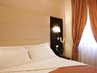 ホテル ドゥカーレ ローマ