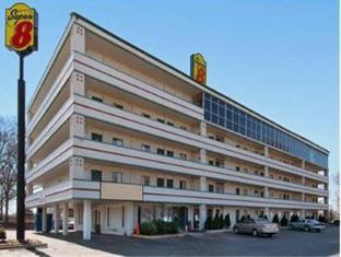 /super-8-motel-downtown-graceland/hotel/memphis-tn-us.html?asq=jGXBHFvRg5Z51Emf%2fbXG4w%3d%3d