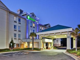 Holiday Inn Express Myrtle Beach-Broadway at the Beach
