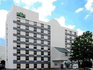 /brookwood-inn-of-durham/hotel/durham-nc-us.html?asq=jGXBHFvRg5Z51Emf%2fbXG4w%3d%3d