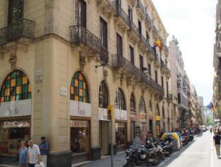 /ja-jp/hostal-mimi-las-ramblas/hotel/barcelona-es.html?asq=m%2fbyhfkMbKpCH%2fFCE136qY2eU9vGl66kL5Z0iB6XsigRvgDJb3p8yDocxdwsBPVE
