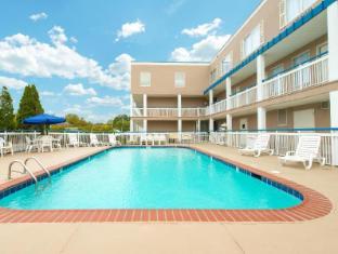 Baymont Inn & Suites Louisville