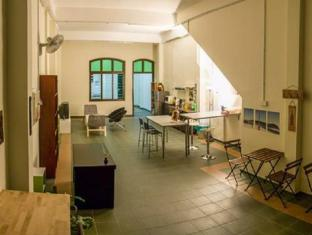 Eloft Hostel